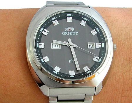 giá đồng hồ Orient FUG1U003B9 xách tay