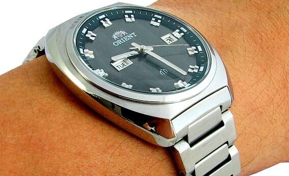 giá đồng hồ Orient FUG1U003B9 chính hãng