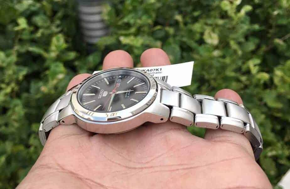giá đồng hồ Seiko SNKA07K1