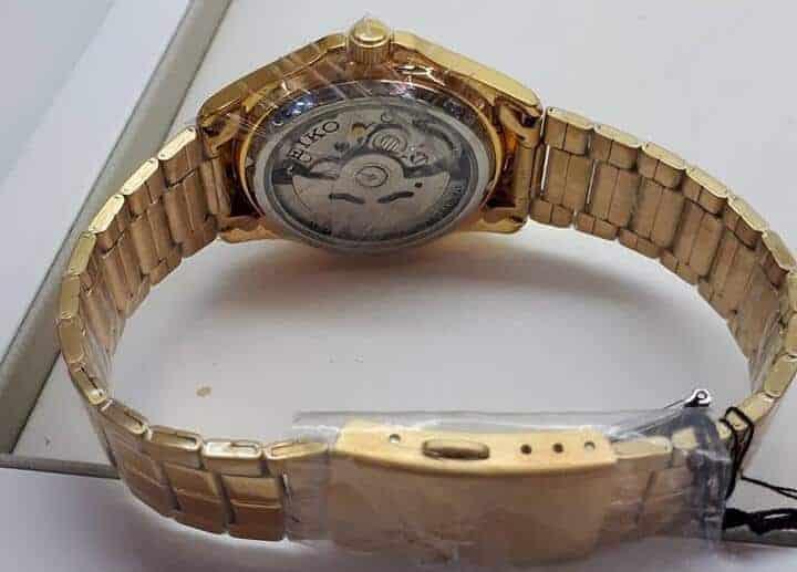 giá đồng hồ Seiko SNKK98K1