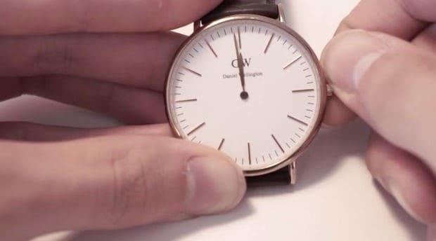 Hướng dẫn chi tiết cách thay pin đồng hồ Daniel Wellington