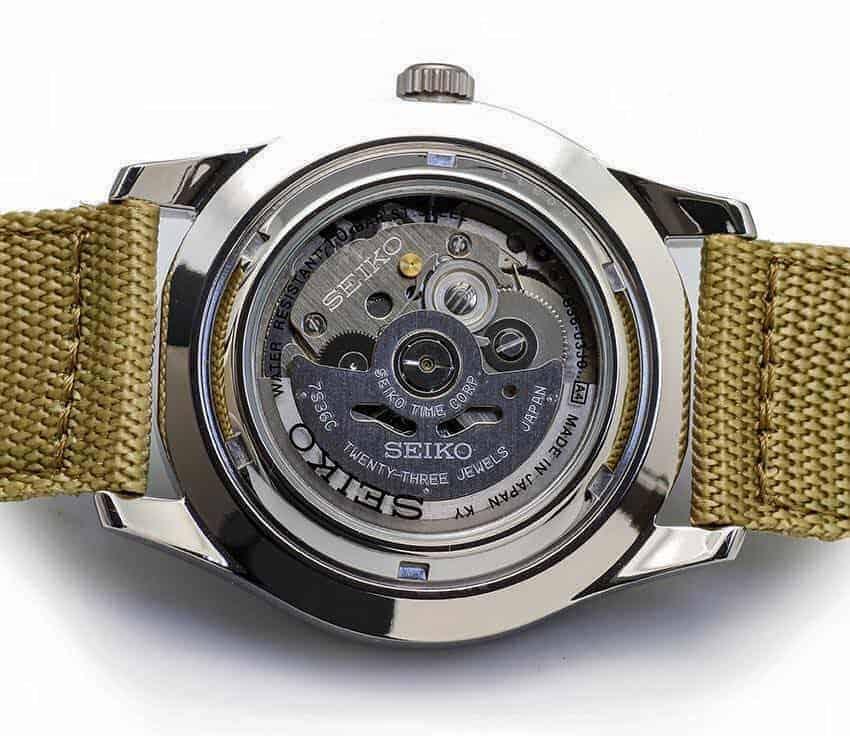 đánh giá đồng hồ Seiko SNZG07J1