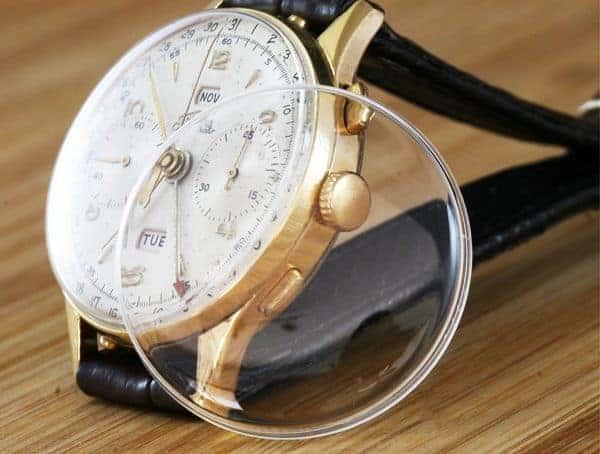 kính mặt đồng hồ