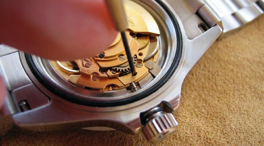 Cấu tạo bộ máy đồng hồ cơ