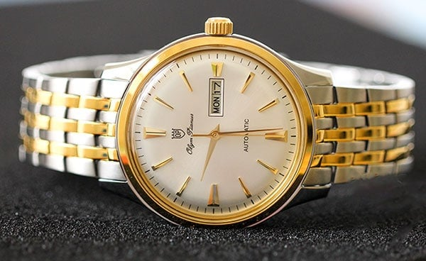 đồng hồ OP cũ đã qua sử dụng