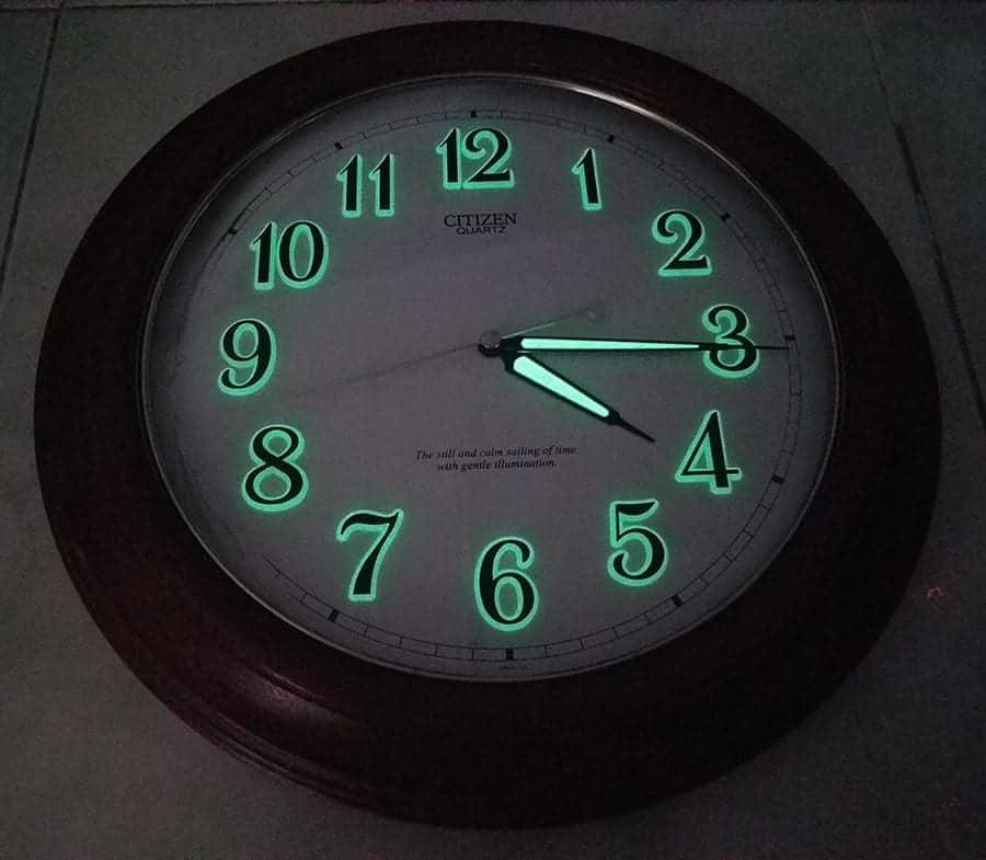 đồng hồ treo tường Citizen