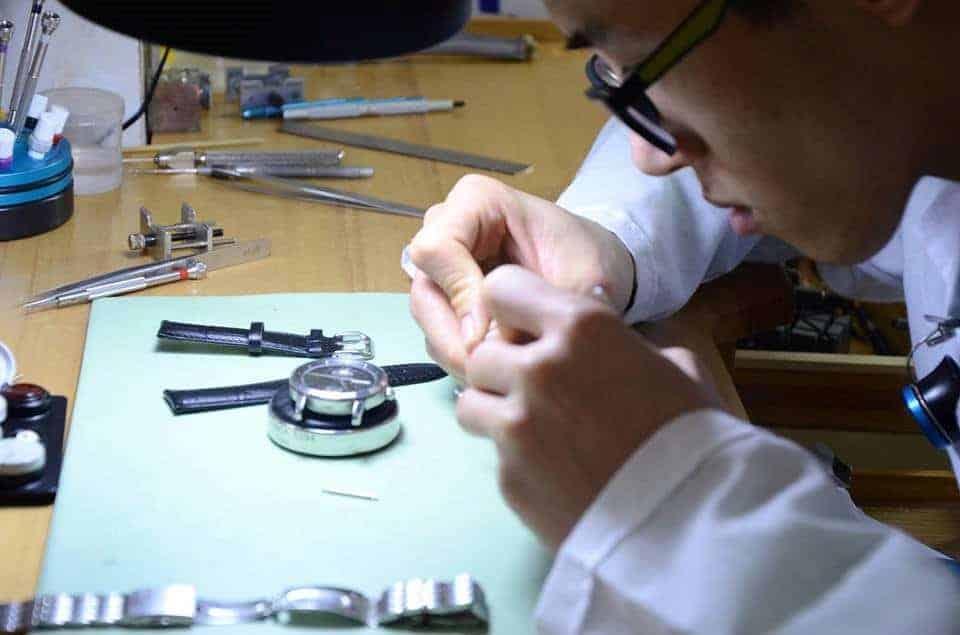 thay dây da đồng hồ Casio